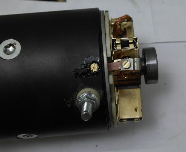 7028f2es-960