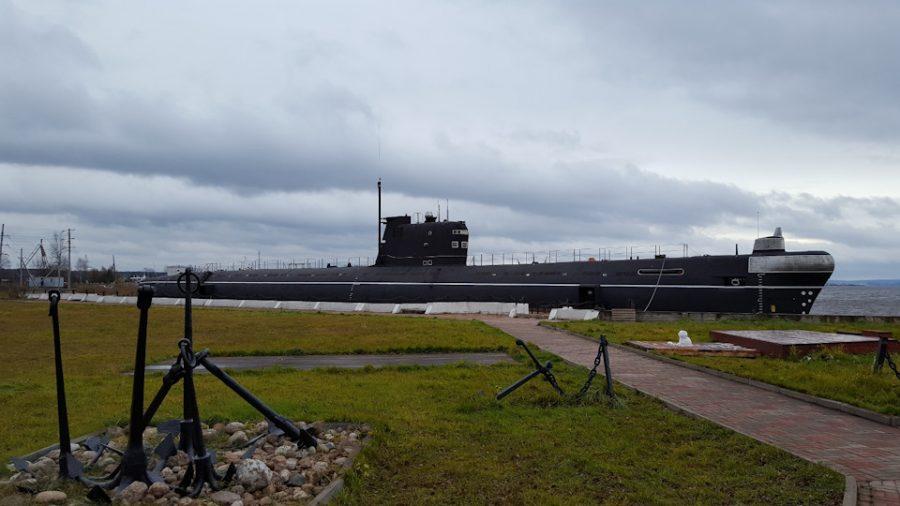 Подводная лодка-музей в Онеге.